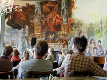 Round room murals